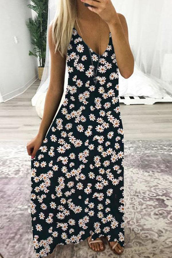 Holiday Spaghetti Daisy Print Plunging Neck Maxi Dress