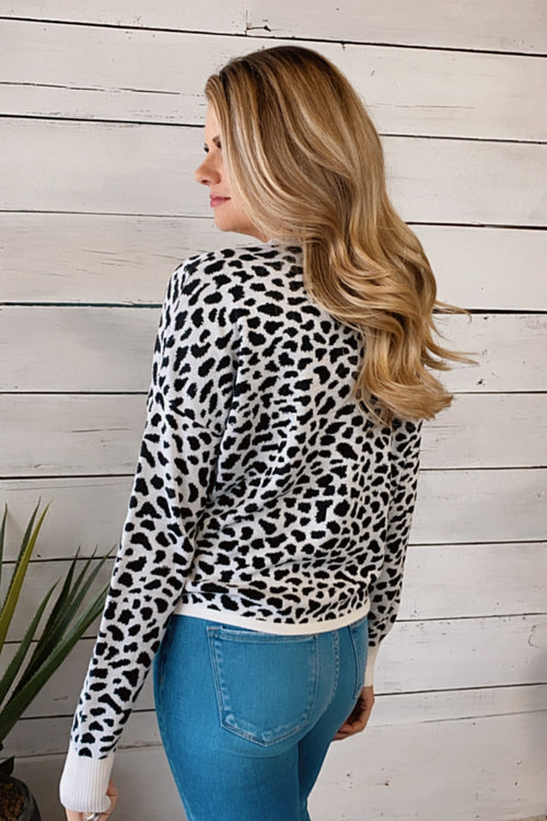 Hearts Full Leopard Print Sweater : Black/White