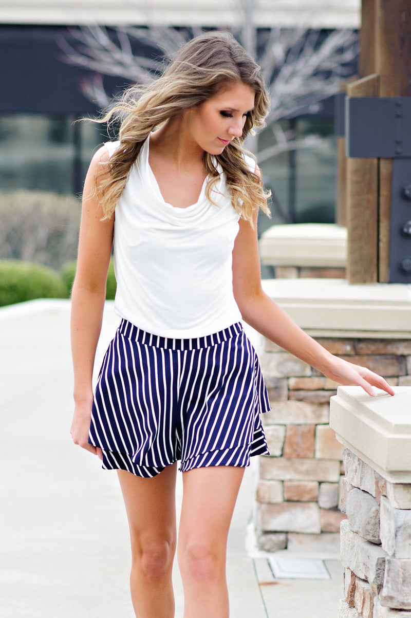 * Kamry Dressy Striped Shorts : Navy/White