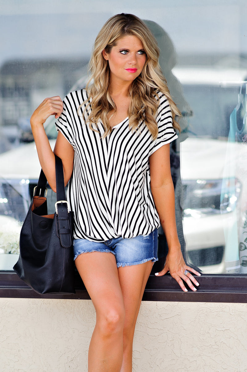 * Cindy Striped Twist Top : White/Black