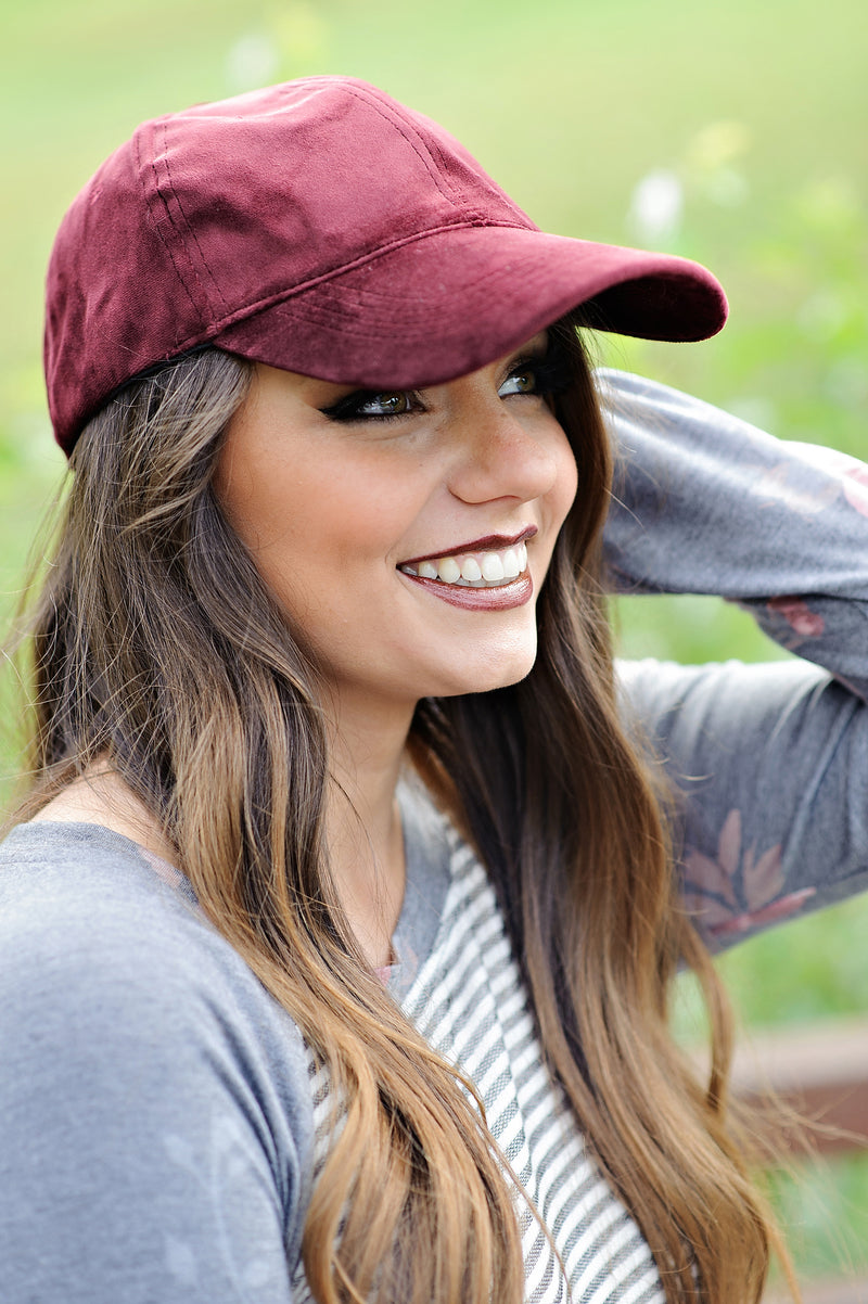 * Gallina Suede Hat : Wine