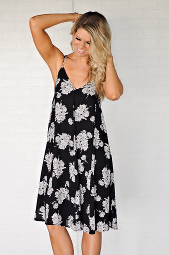 * Salinas Floral Print Sleeveless Dress : Black