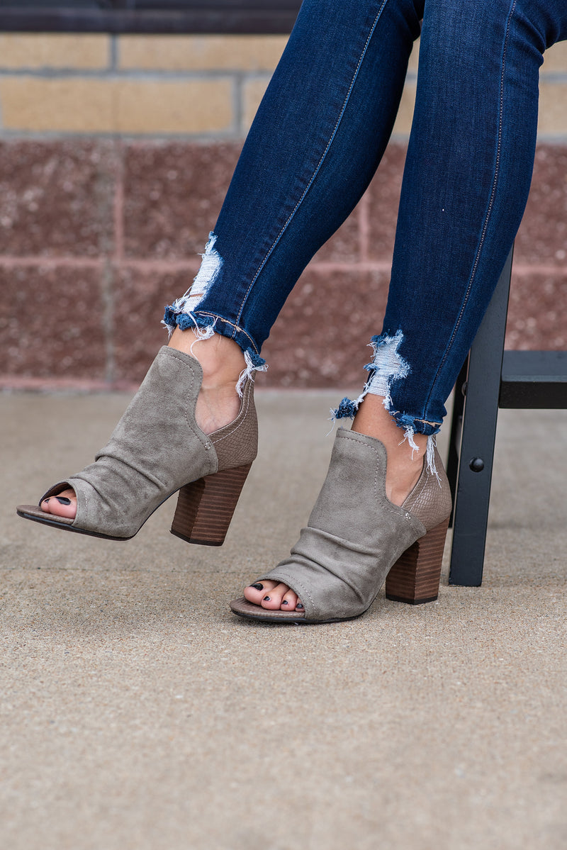 Fleek Open Toe Ankle Cut Heels : Olive Taupe