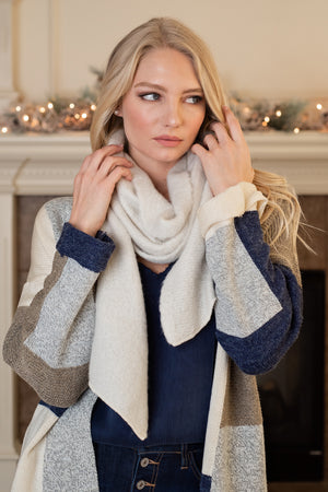 Savy In The City Scarf : Ivory