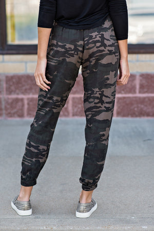 Under The Radar Camo Joggers : Green