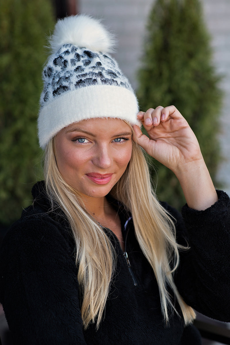 December Nights Leopard Beanie : Ivory/Grey/Black