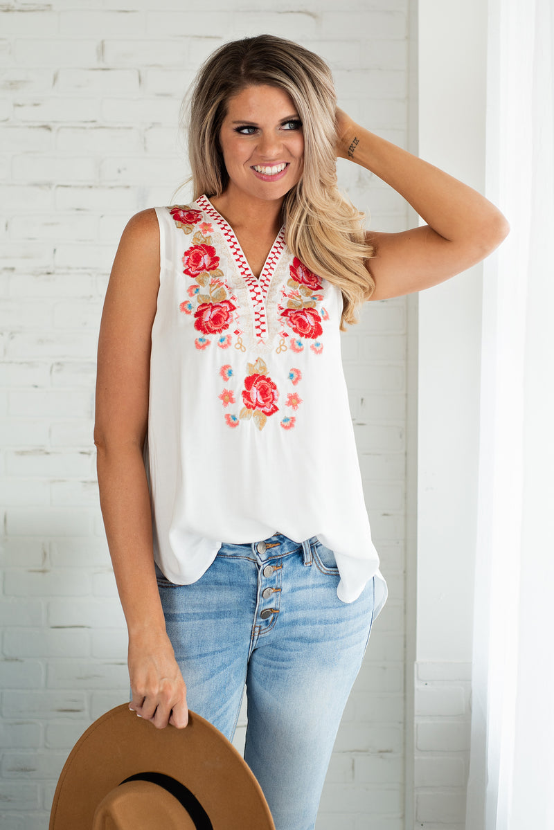 Flowers Await Sleeveless Top : Off White