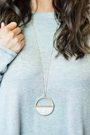 Jenny Circle Necklace : Gold/White