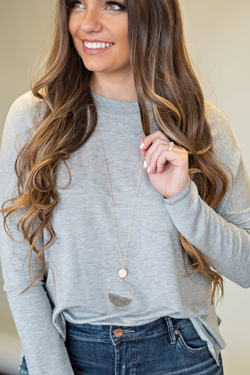 Jasmine Circle Necklace : Grey/Gold