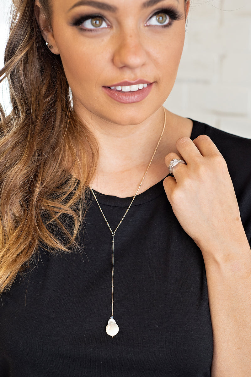 Emersyn Coin Pearl Necklace : Gold