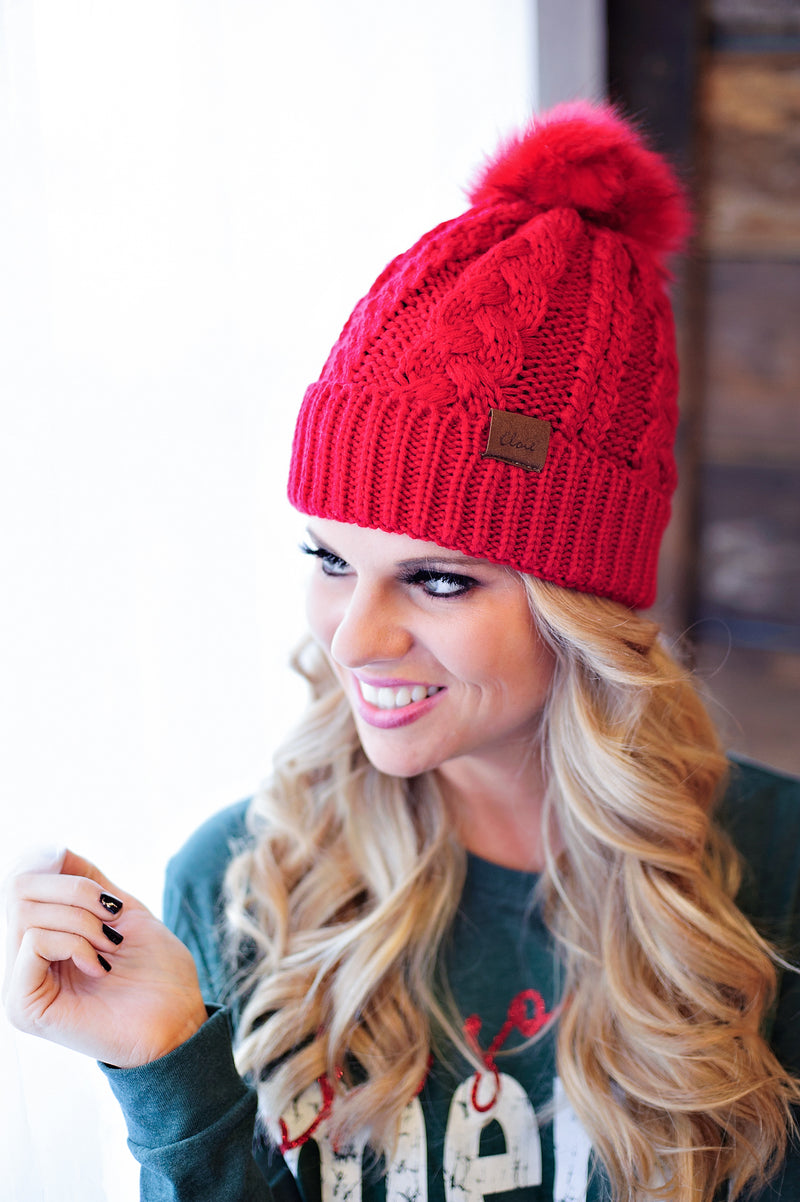 *Cable Knit Fleece Lined Pom Beanie : Red