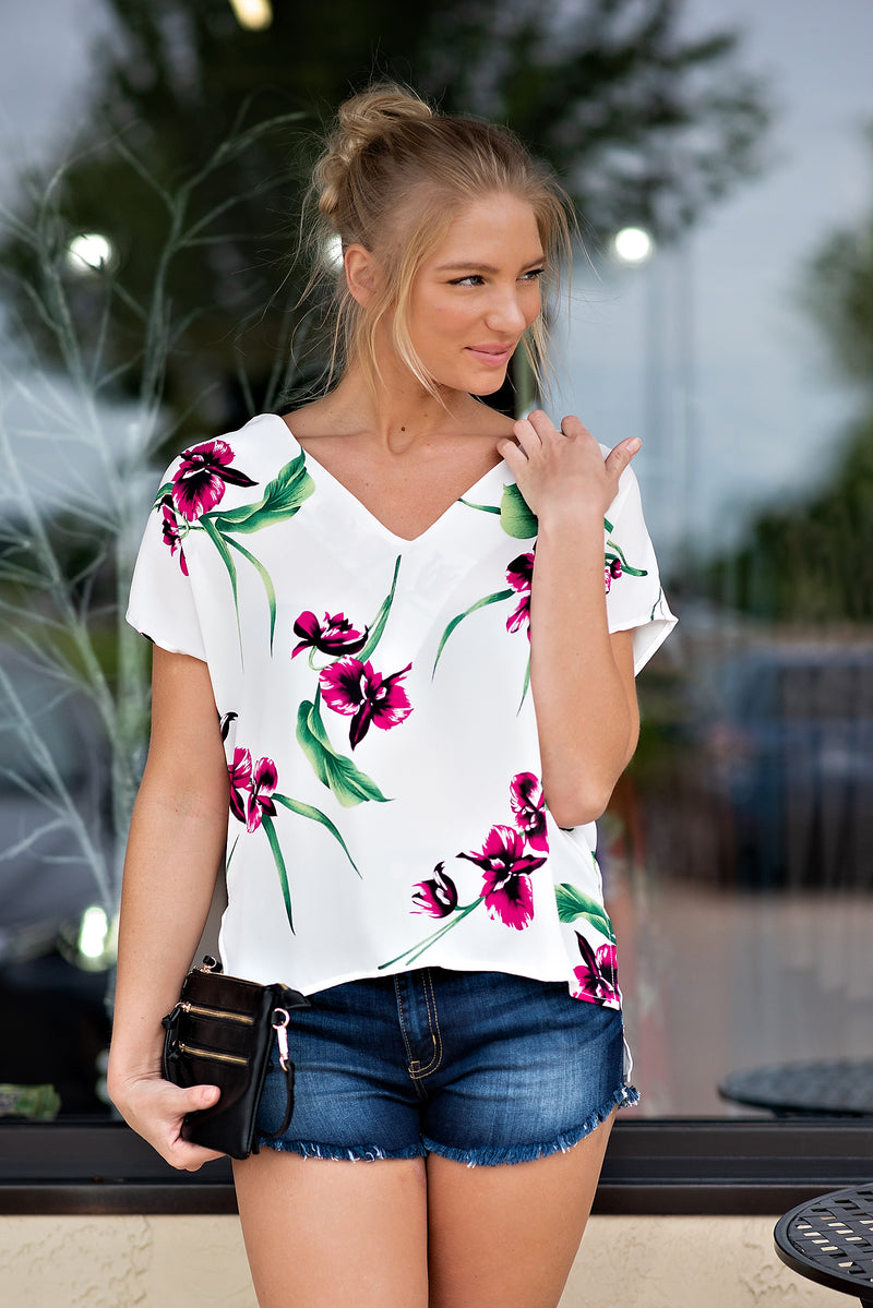 Paint Me A Picture V Neck Top : Off White