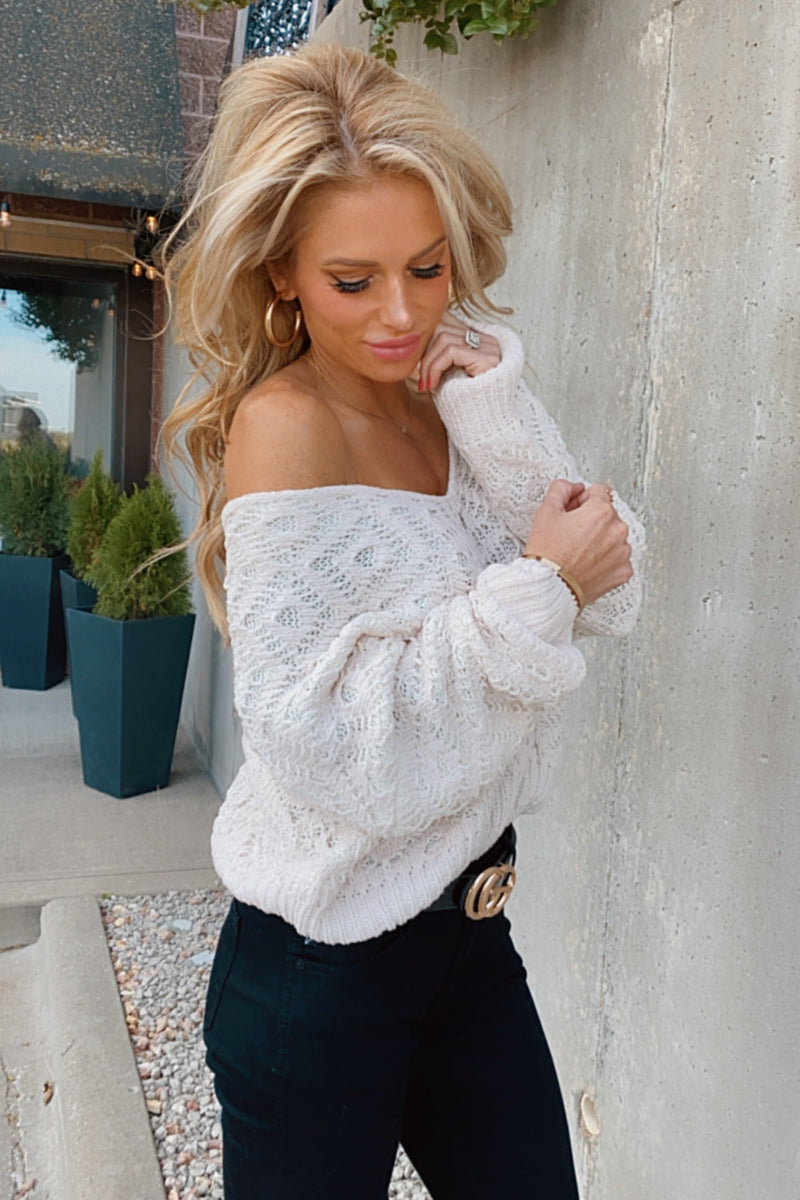 Bonfire Dates Knit V-Neck Sweater : Off White