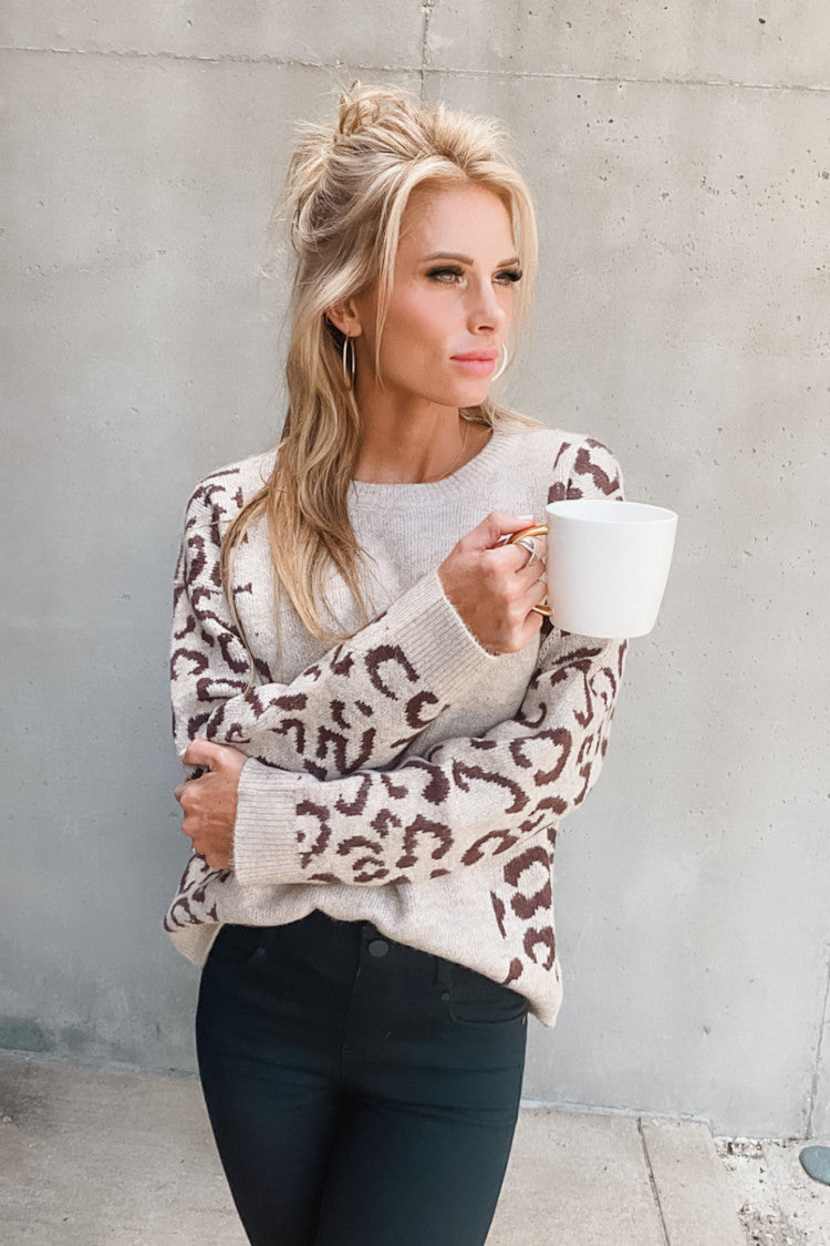 In between Moments Leopard Sweater : Taupe/Brown