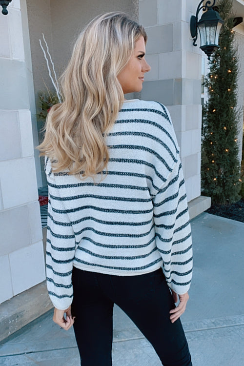Nothing To Compare Striped Knit Sweater : Black/White