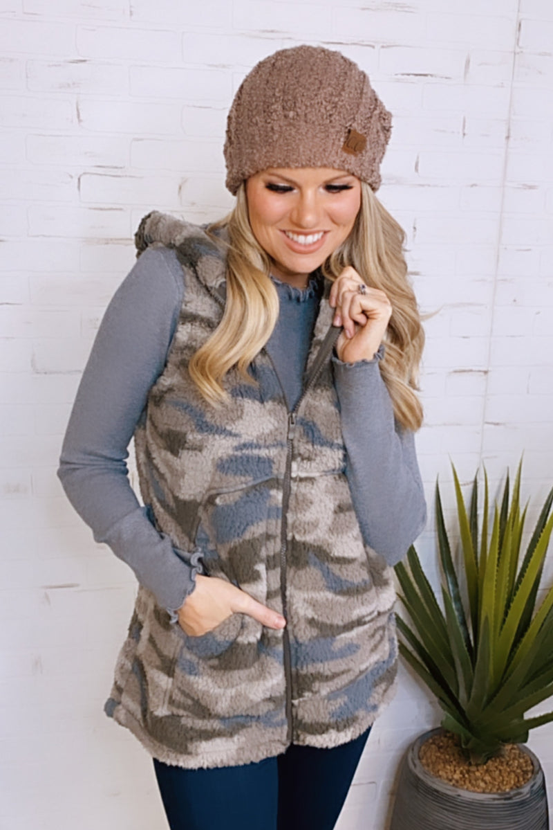 Leap Of Faith Camo Sherpa Vest : Dusty Green