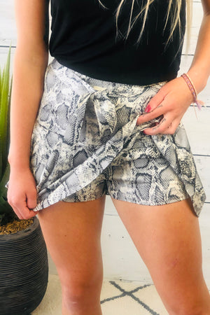 Showing Off Snake Print Skort : Grey