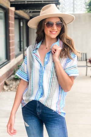Chic City Girl Button Down Top : Blue/Multi