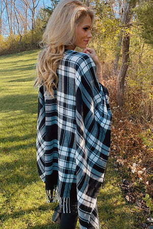 Holiday Bliss Plaid Poncho Wrap : White/Black