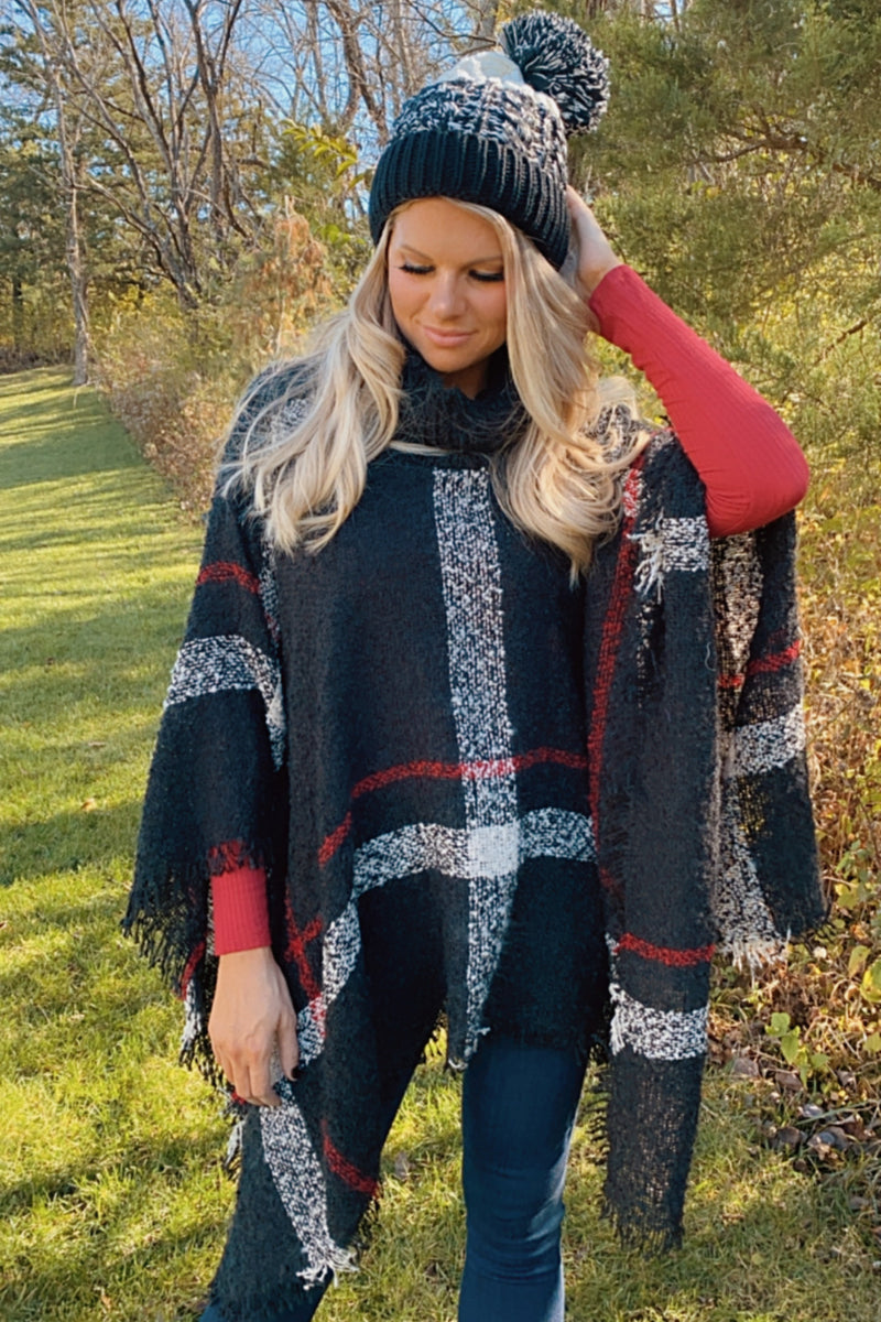 Merry & Bright Plaid Turtleneck Poncho : Black