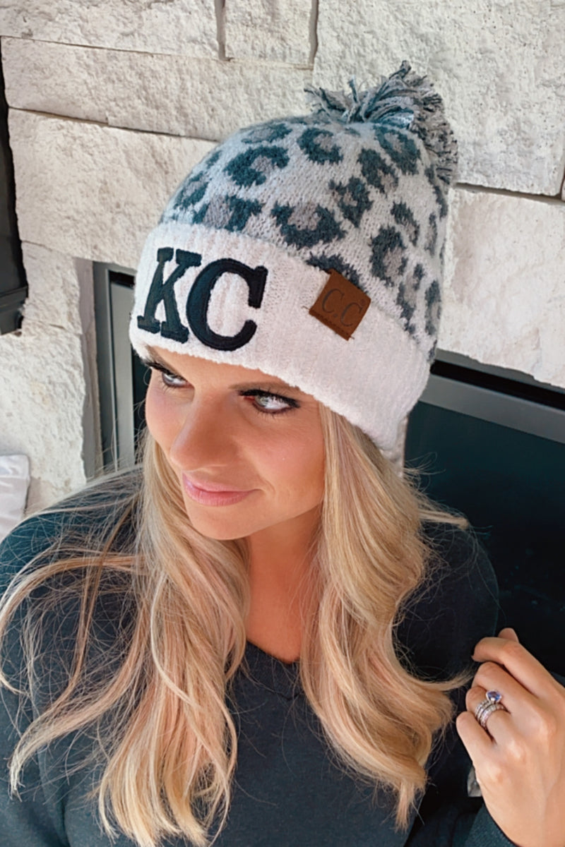 KC CC Beanie Leopard With Pom : Ivory