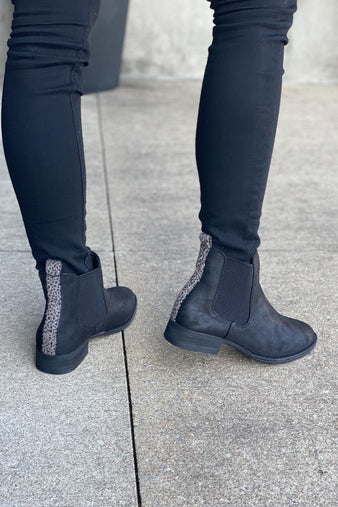 Very G Blake Slip On Bootie : Black