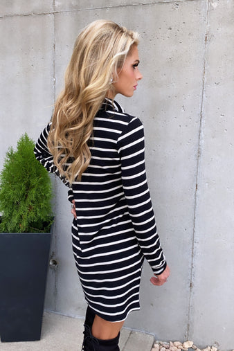 Essential Love Striped Cowl Neck Dress : Blk/Cream