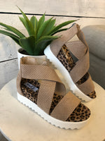 Very G Ace Flatform Sandal : Taupe