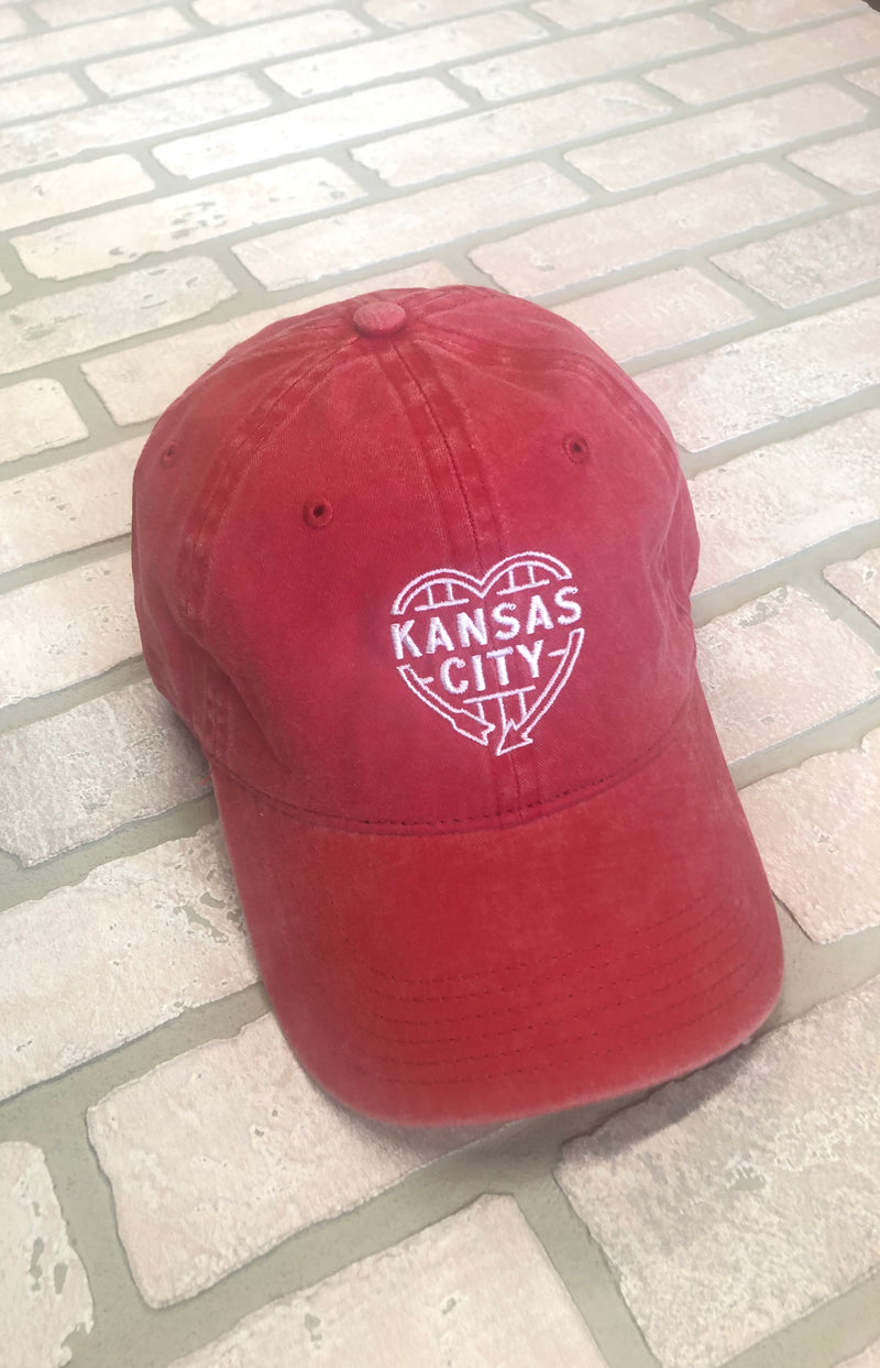 Flint & Field Kansas City Heart Hat : Distressed Red