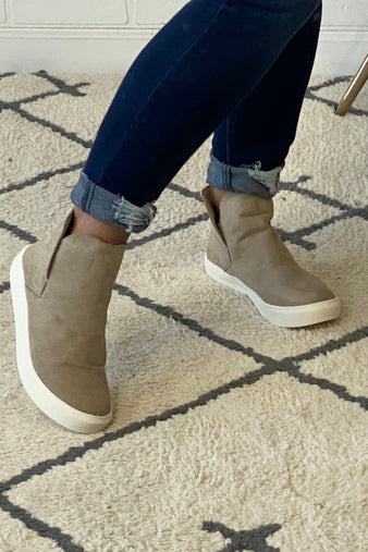 Very G Rolla Slip On Mid Top Suede Sneaker : Taupe