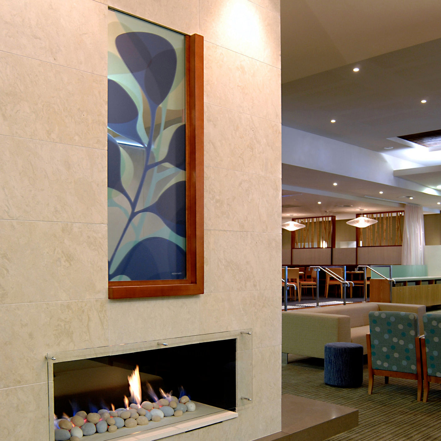 signarture kuranda artwork applied to mirror feature in hospitality setting