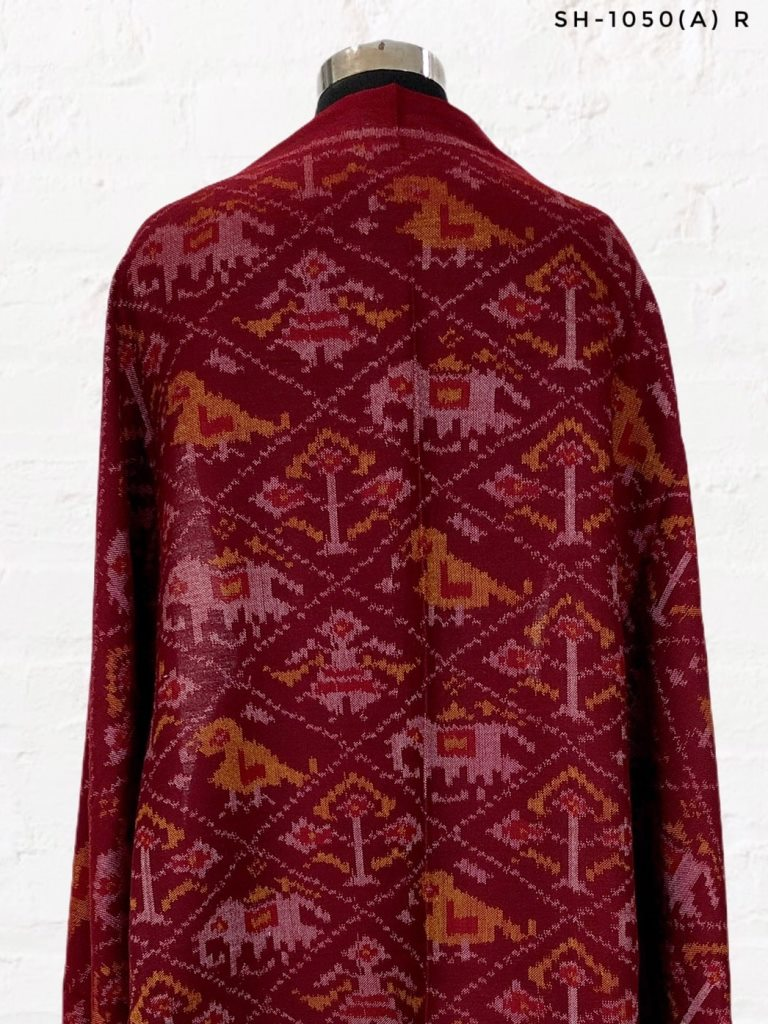 Traditional hathipopat design in maroon colour