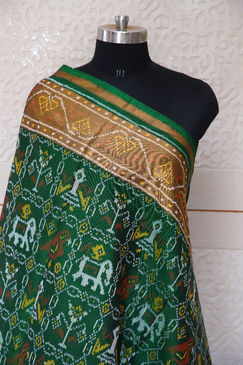 Traditional Sakdi Hathipopat design in green colour