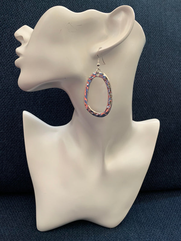 Glam made easy! Oval hoop