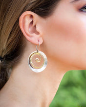 Load image into Gallery viewer, Catch the Wave earrings