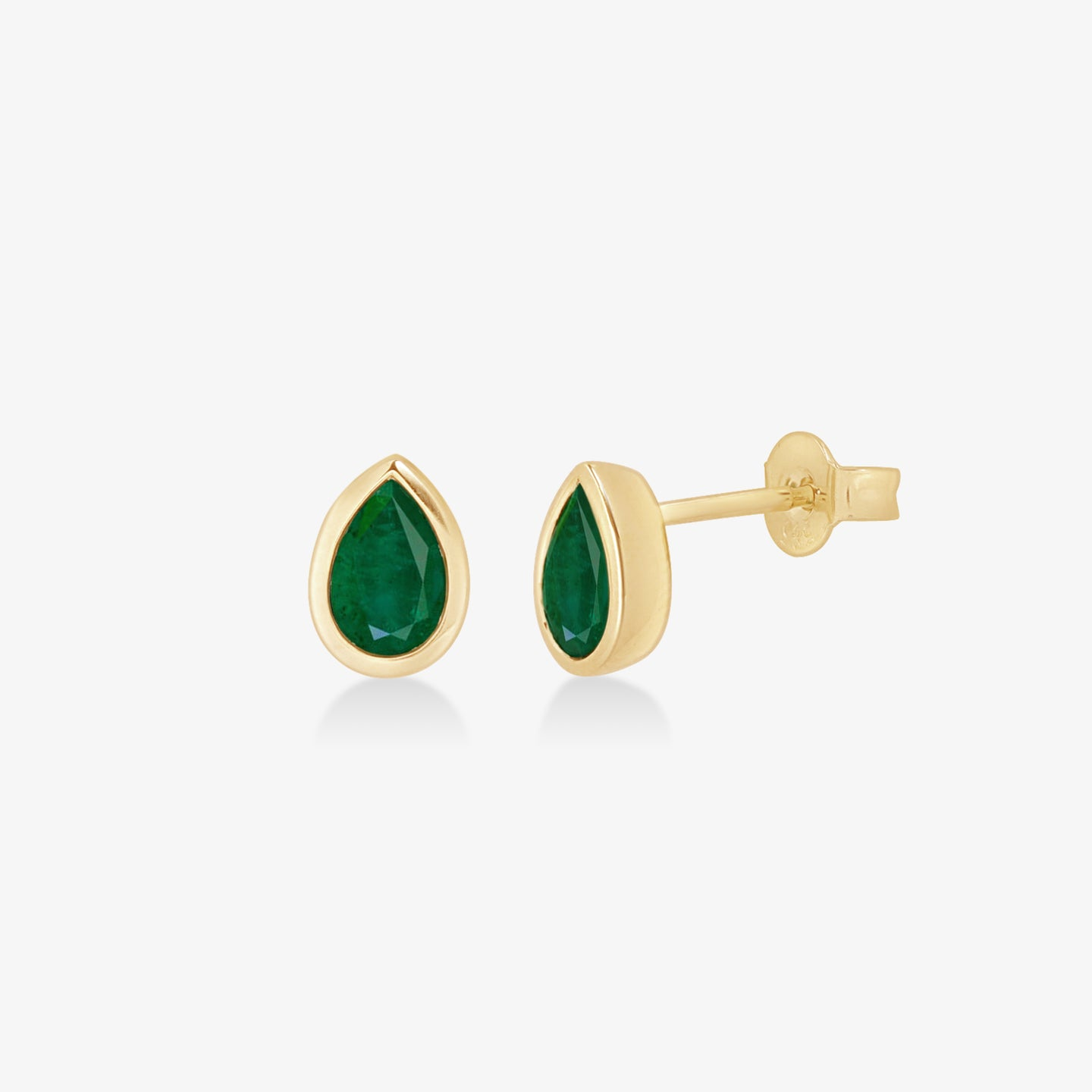 Pear-Shaped Green Agate Stud Earrings in Yellow Gold - estellacollection