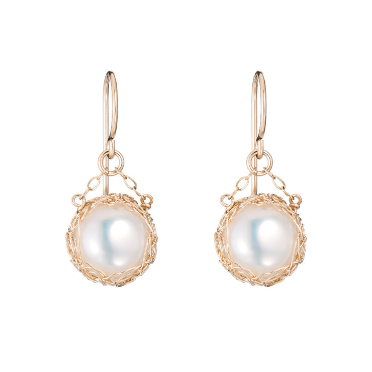 Small Pearl Round Dangle Earrings Gold