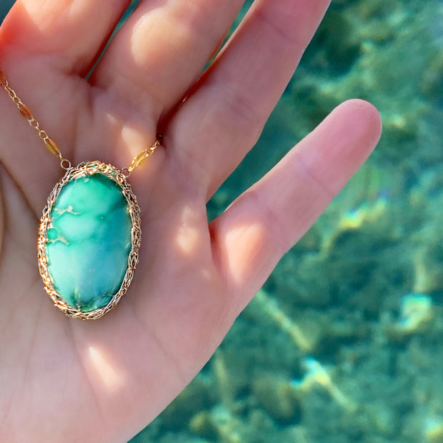 Broken Arrow Variscite Oval Necklace In Gold
