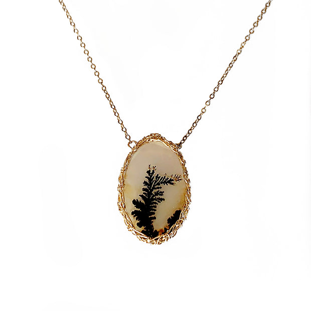 Medium Oval Dendritic Agate Necklace In Gold