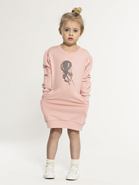 Sweatshirt SS19 spring collection from One We Like made of 100% organic cotton. Dress with long sleeves. Pockets at the side and hand printed jellyfish