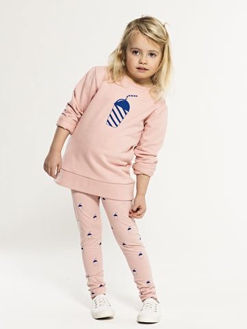 SS19 spring collection from One We Like made of 100% organic cotton. Sweatshirt with round neck. Milkshake print on front