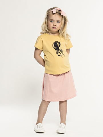 SS19 spring collection from One We Like made of 100% organic cotton. A-line skirt with elastic waist and bow with milkshakes on front.