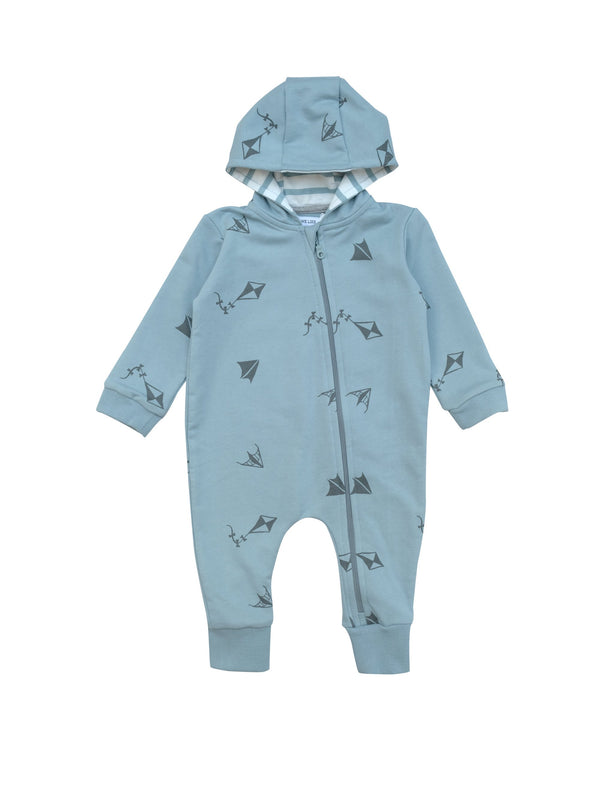 All in one baby suit with zipper in front and linned hood. Wear it on it's on as a relaxed sweatshirt suit or with a body underneath as light layer two. Our own kite print all over on blue with striped white and blue lining o hood.