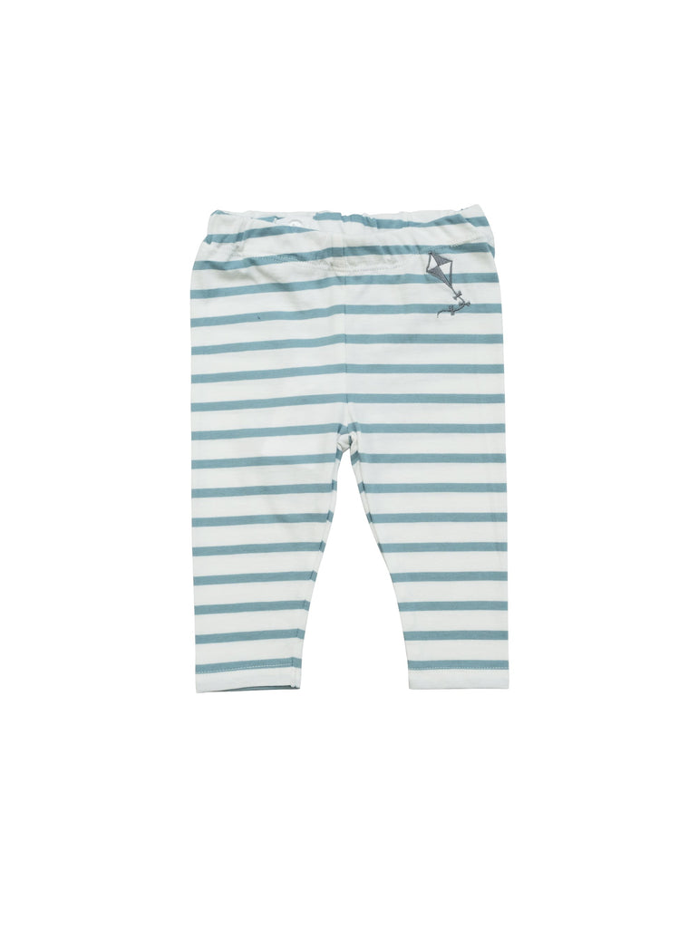 Leggings in comfortable stiped organic jersey fabric. White and blue stripes with a small kite embroidery at front top. Adjustable waist so for best fit so size up for a baggy fit and longer wear. Made in Portugal.