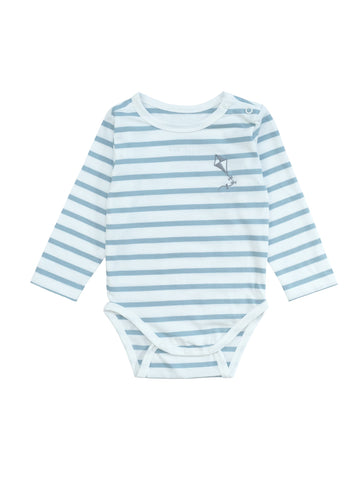 Striped long sleeve body made from organic cotton jersey. Soft and perfectly stretchy with a small delicate embroidery Kite at chest. Snap button at crotch and shoulder for easy dressing. Printed logo and sizing information at back instead of necklable to avoid irritating sensitive baby skin.