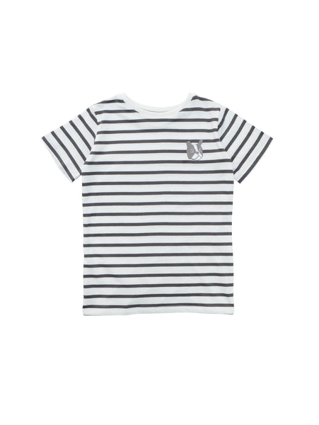 Classic round neck t-shirt with straight fit. Soft comfortable striped organic jersey cotton in charcoal grey and white with a cool Bulldog embroidery at chest.