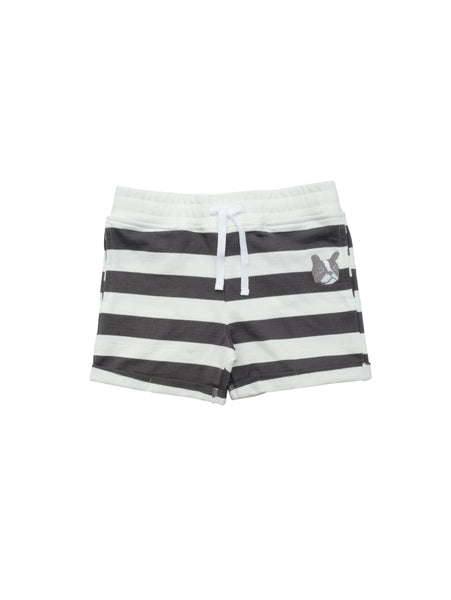 Striped sweatshirt shorts with ribbed waist and a herringbone drawstring for a perfect fit. Small fold-up at leg and a classic unisex model that suits kids of all ages.