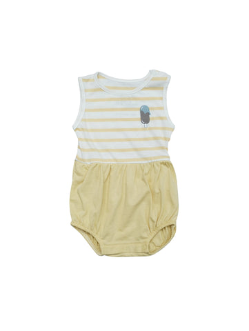 Sleevless summer body with striped white and yellow top and pale yellow bottom. Snap buttons at shoulder and crotch, small delicate embroidery icecream at chest. Made in soft and comfortable stretchy organic cotton jersey. Printed logo and size information at neck.