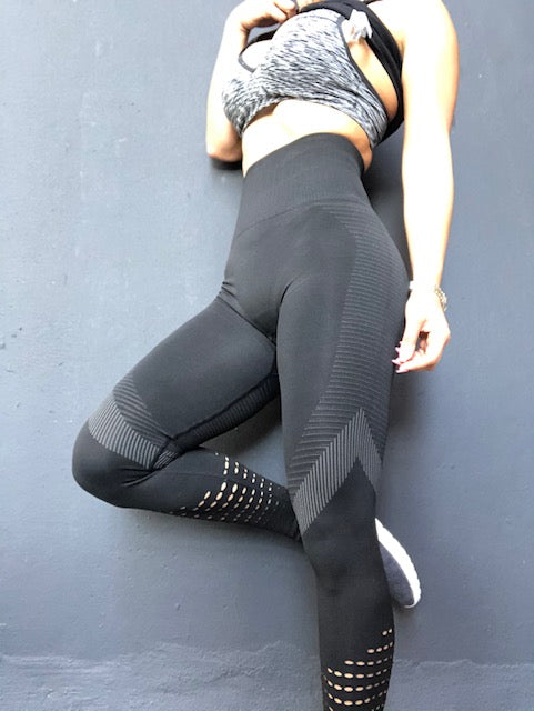 Seamless Micro Cuts Black - ABS2B FITNESS APPAREL