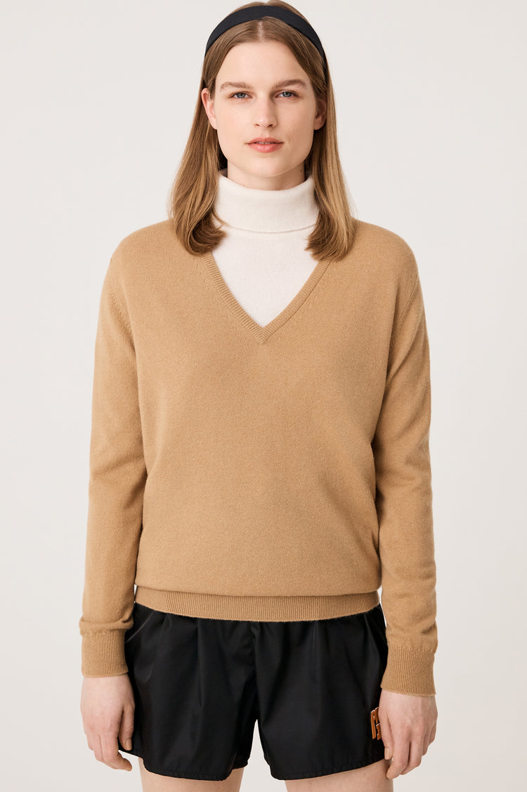 Bray Cashmere V-Neck in Camel